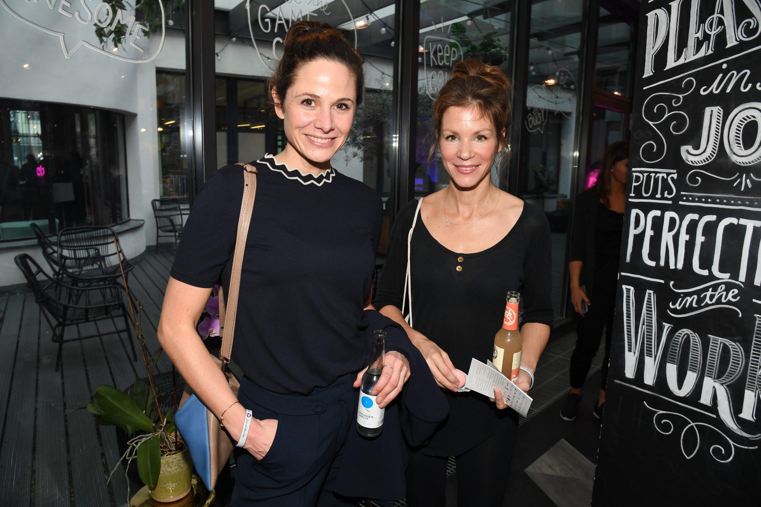 Ellenie Salvo Gonzales, Nina Gnädig @Beauty2Go-Lounge ©Starpress Kay Kirchwitz